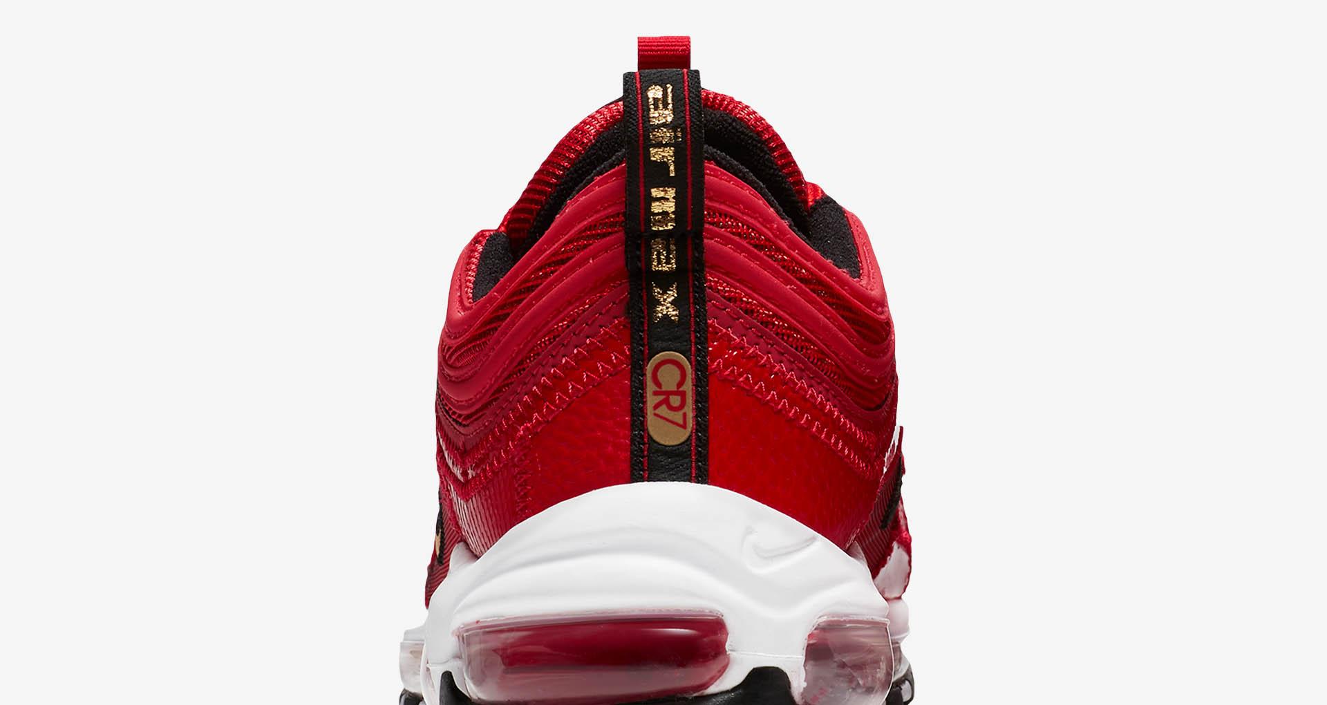 Nike thiết kế giày cho CR7