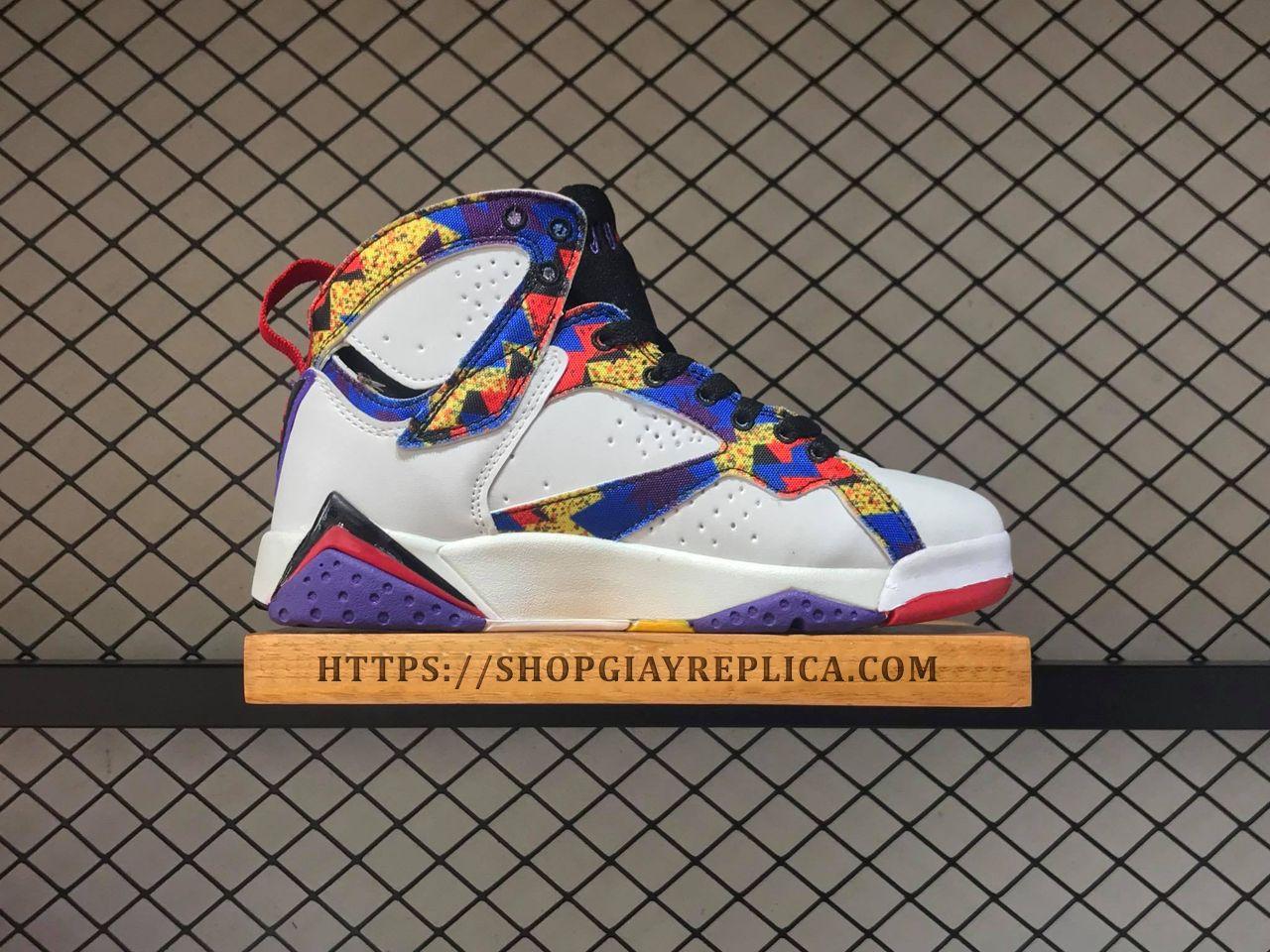 Giày Nike Air Jordan mix color hàng Replica 1:1 giá t?t nh?t