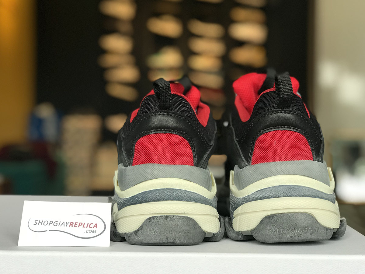 giay balenciaga triple s red black replica