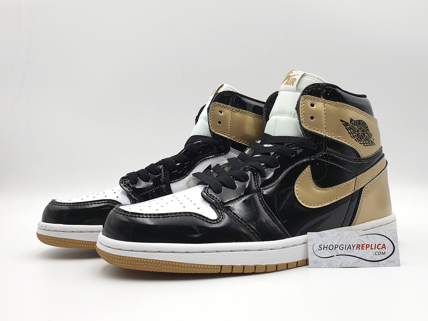 giay Nike Air Jordan 1 Retro High gold toe replica