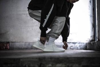 11 cách phối đồ với giày Yeezy 350 cực chất năm 2020