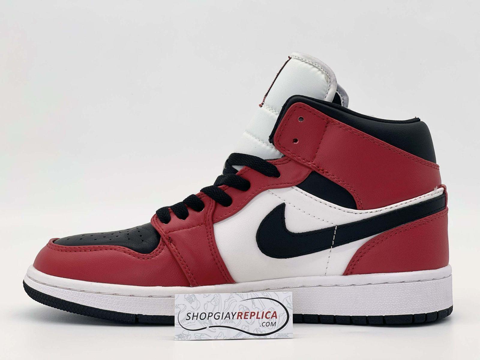 Giày Nike Jordan 1 Mid Chicago Toe