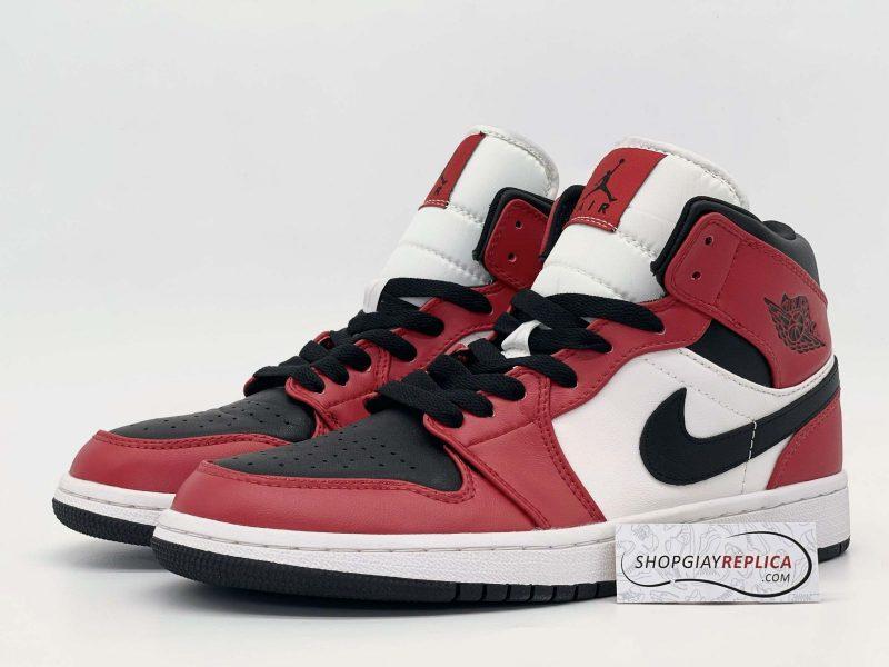 Nike Jordan 1 Mid Chicago Toe Rep11