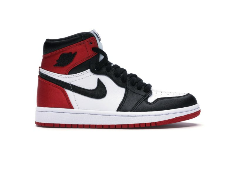 Giày Nike Air Jordan 1 Retro High Satin Black Toe Replica