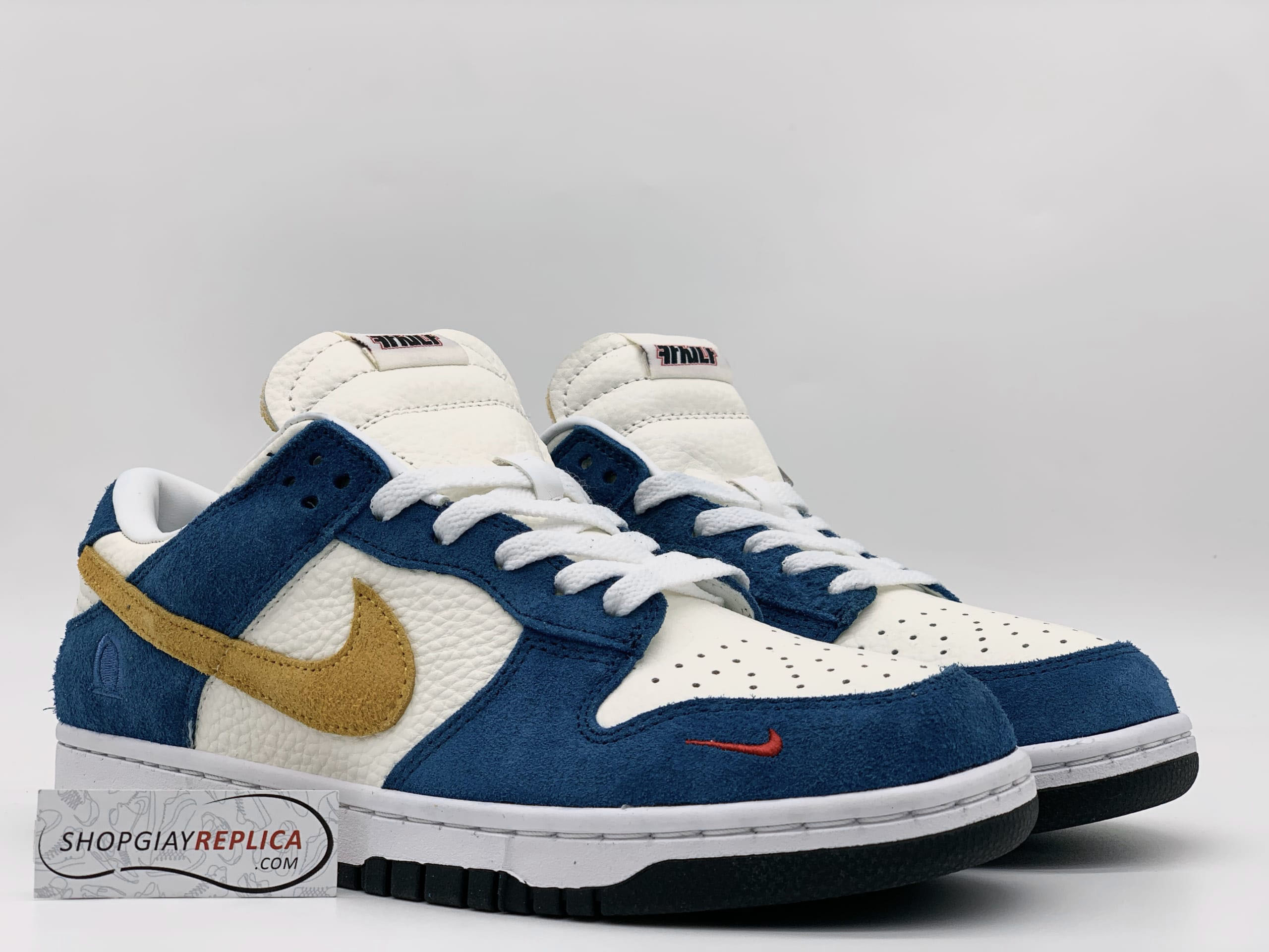 SB Dunk Low Kasina Blue