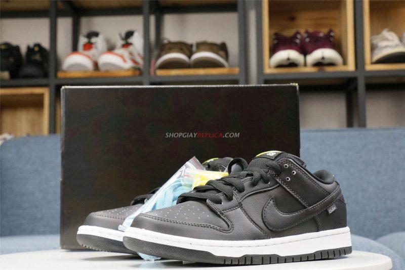 Giày Nike SB Dunk Low đổi màu