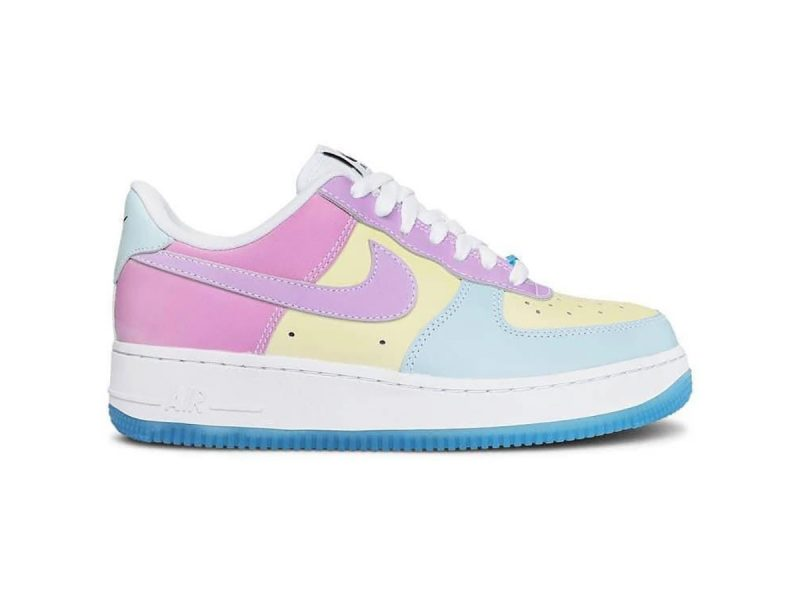 """Nike Air Force 1 '07 LX """"UV Reactive"""" Changes Colors"""