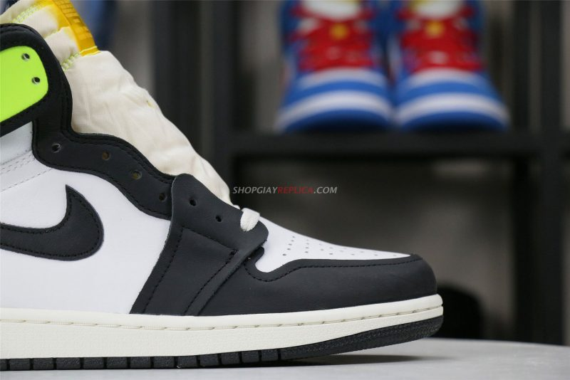 Giày Nike Air Jordan 1 Retro High Volt Gold